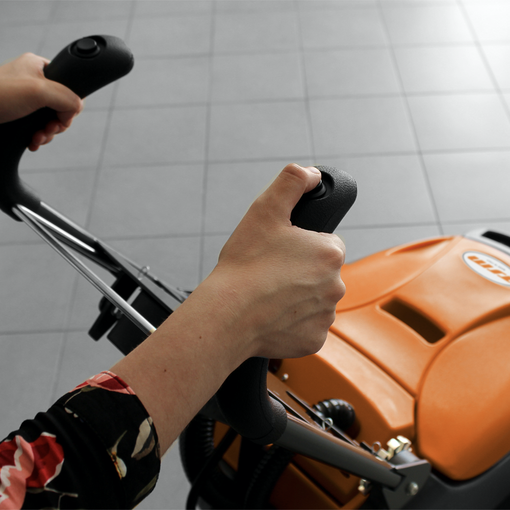 Čistilni stroj za profesionalno čiščenje GRANDE BRIO 35